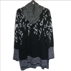 Apt 9 Black And Silver Sweater And Scarf